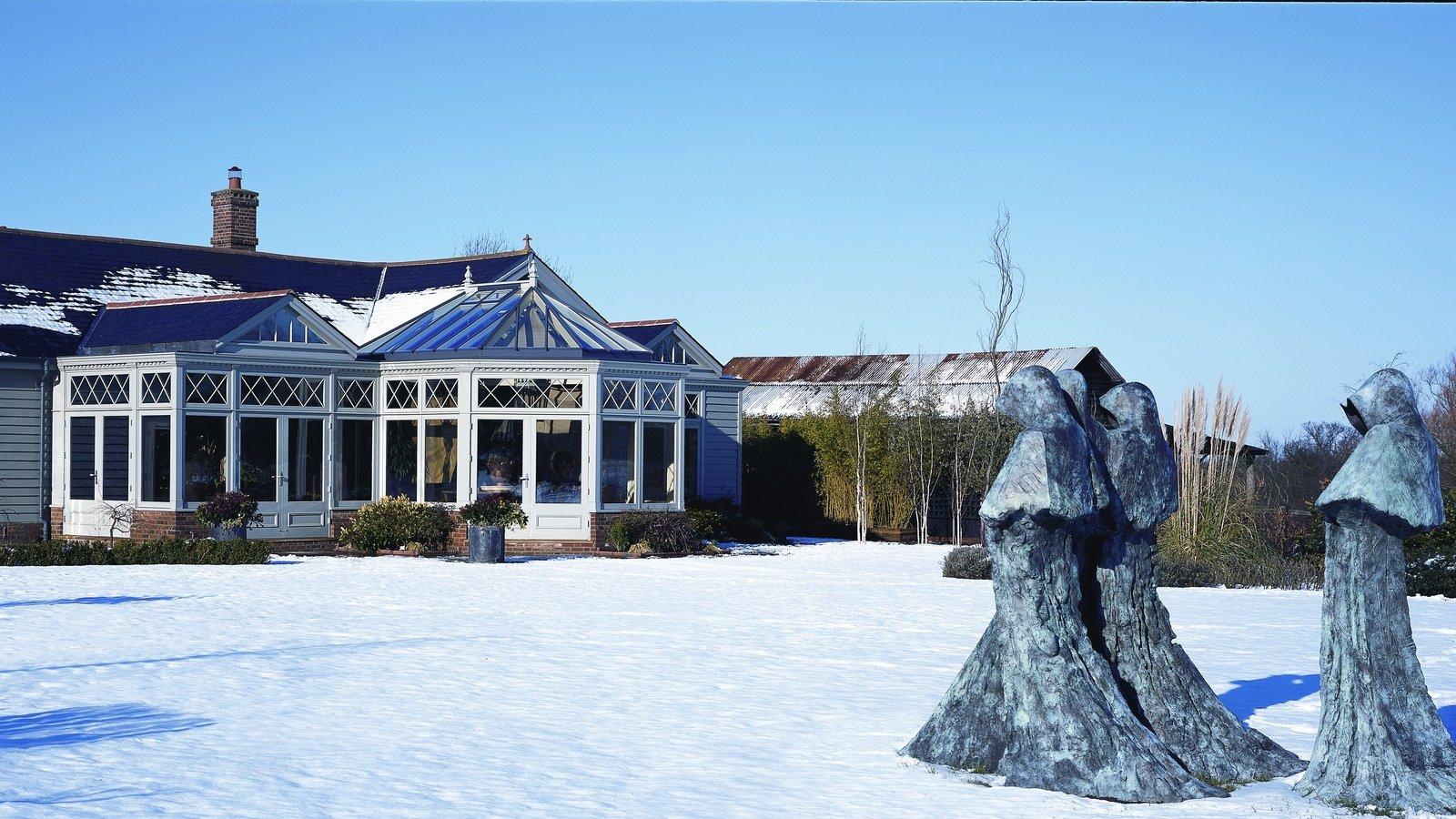 Garden-room-in-the-snow