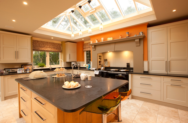 Contemporary kitchen extension in autumn colours