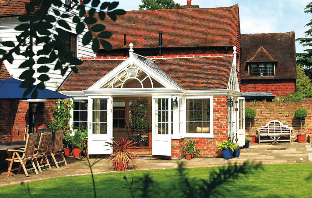 Dual aspect garden room with wonderful views into the garden