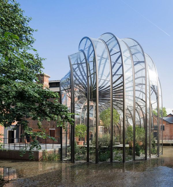 Bombay Sapphire Distillery glazed building from side