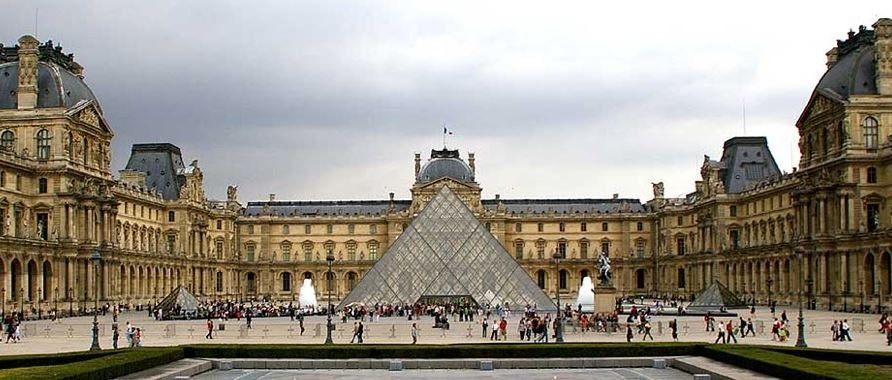 The Louvre view during the day