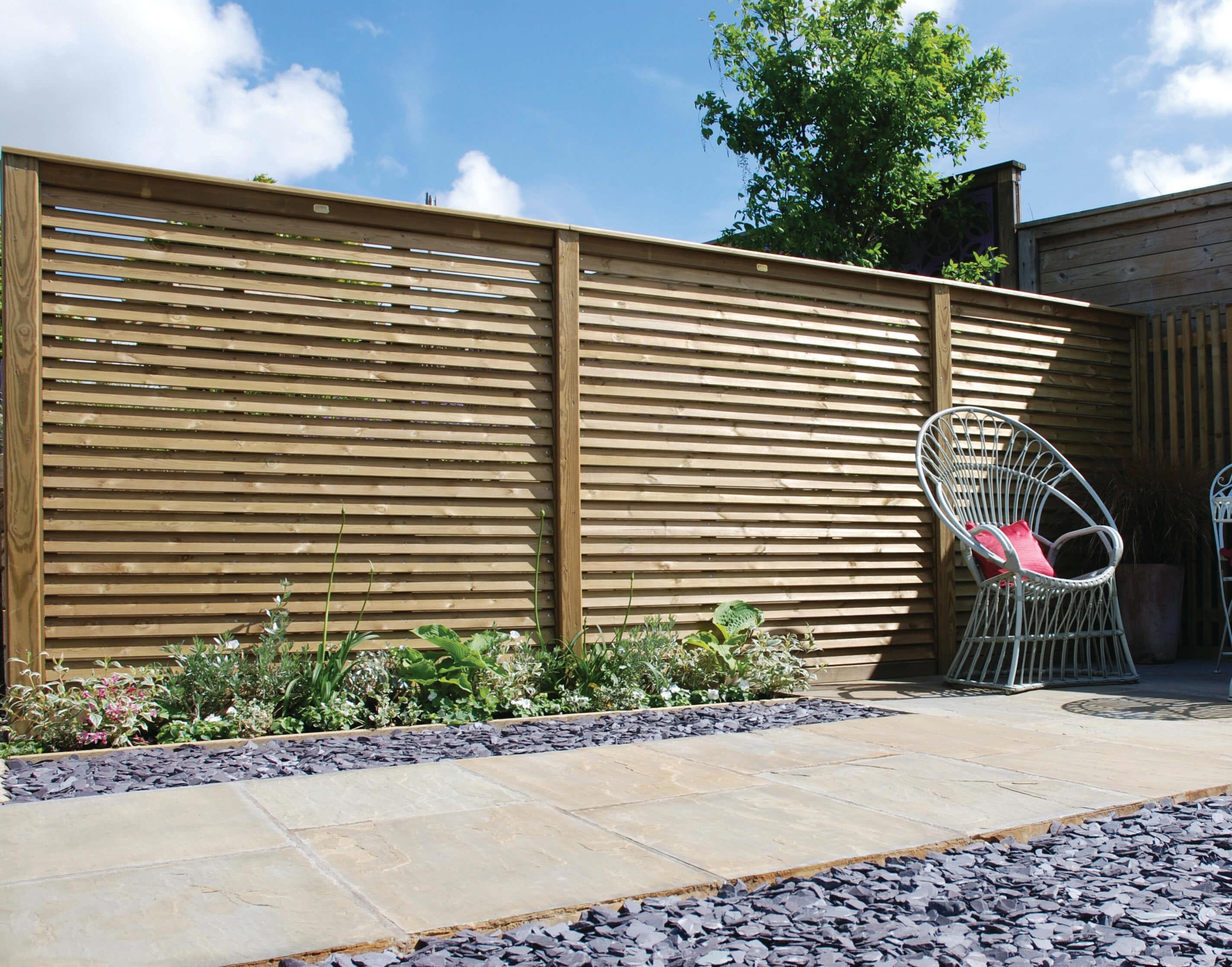 louvre fence panel run
