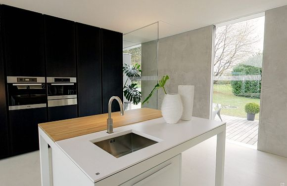 Open kitchen, clear mind: effective and practical design