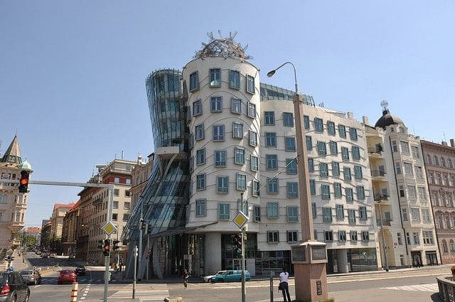 Westbury's Pick – The Dancing House