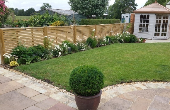 Three fence styles for luxury garden design