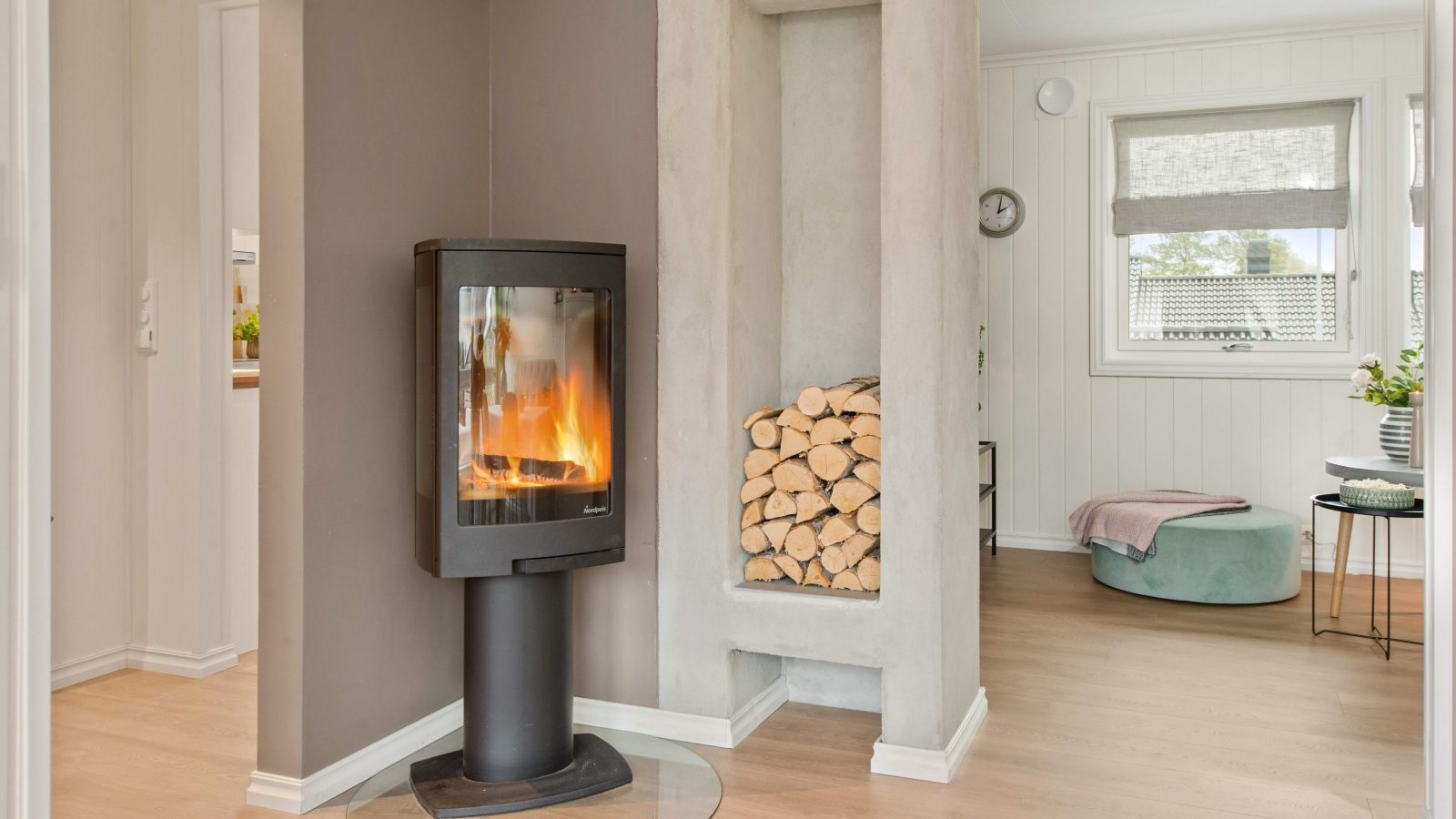 Amazing modern fireplace designs for a cosy orangery this winter