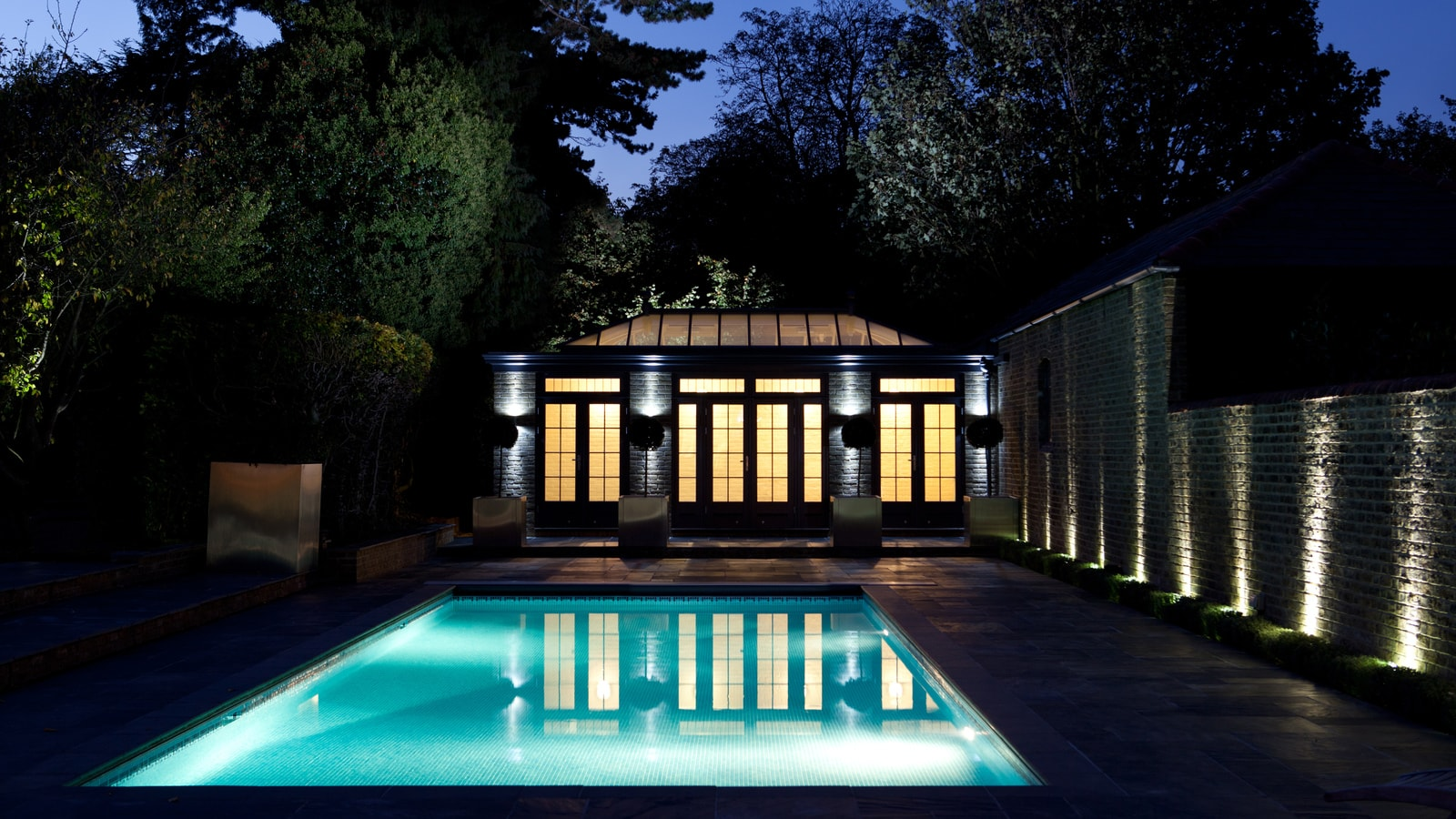 pool-house-lighting