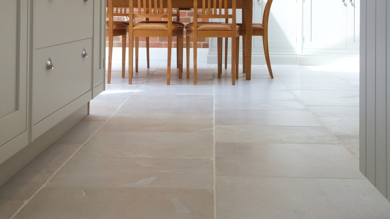 Kentish Ragstone Sandstone Tumbled is a tough and durable sedimentary stone that will often have distinctive swirls and blushes of colour