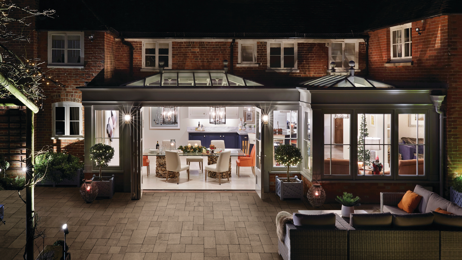 Grand Open Plan Orangery with Kitchen