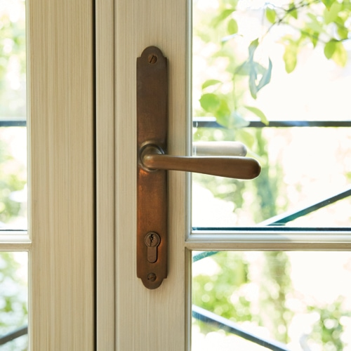 Brass and bronze ironmongery is the new home trend worth knowing about