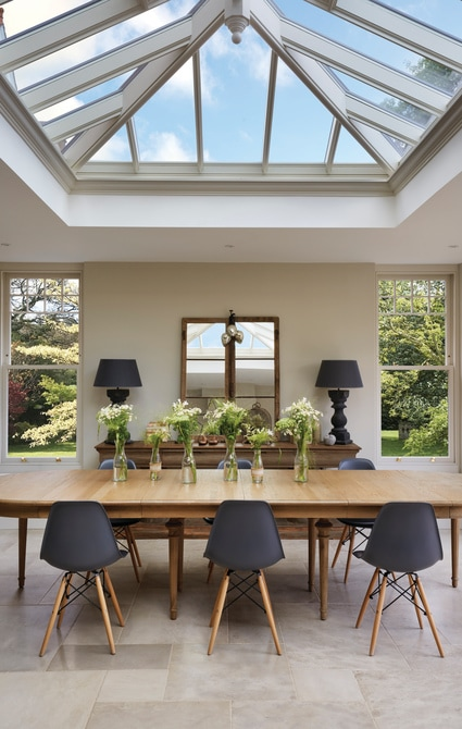 Dining-table-in-orangery